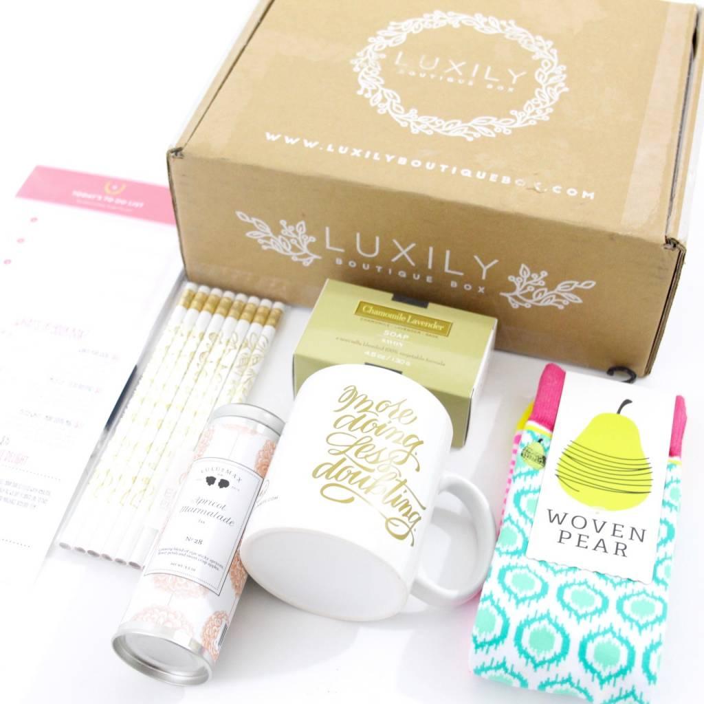 Luxily Boutique Box April 2016 5