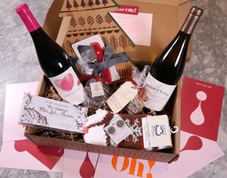 Vine Oh! is a new wine, lifestyle subscription box company for today's woman to relax, recharge and unwind.